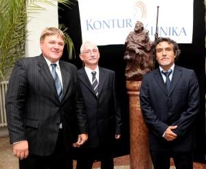 Dr. Szűcs Lajos, Dr. Göböl Zsolt és Dr. Vincente Rodrigo