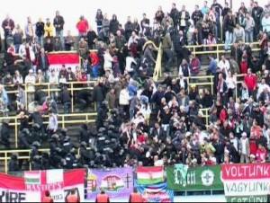 Rendőri fellépés egy focimeccsen