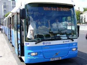 Jegyváltás a buszon