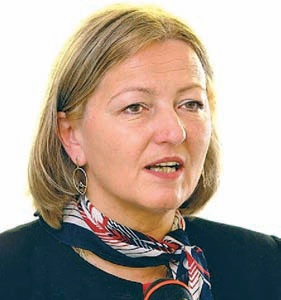 Dr. Palócz Éva