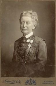 Hugonnai Vilma a Semmelweis Orvostörténeti Múzeum gyűjteményében