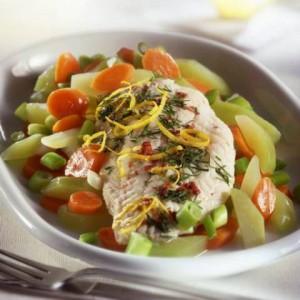 Párolt hal zöldségekkel